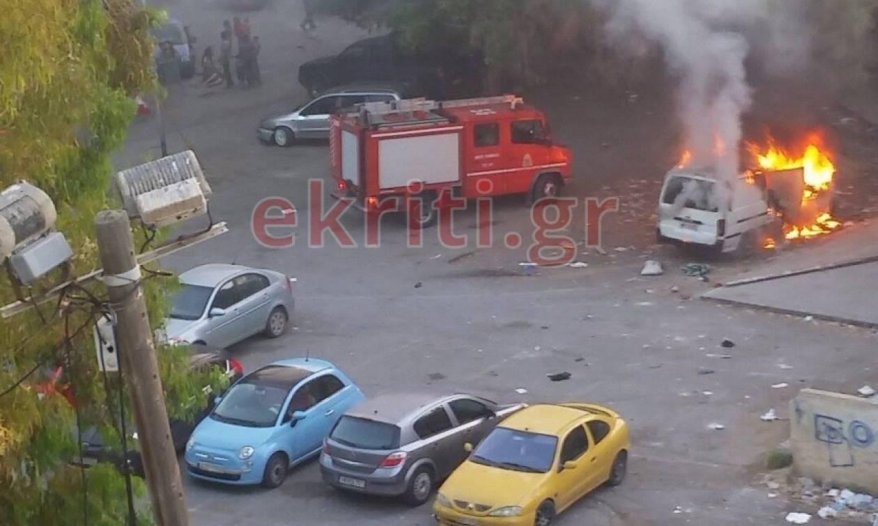Ηράκλειο: Πανικός στο κέντρο από φωτιά σε αυτοκίνητο