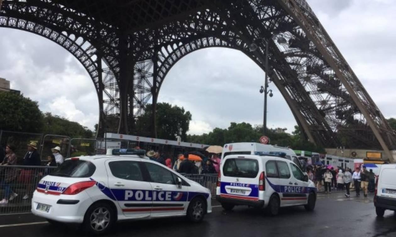 Συναγερμός στο Παρίσι: Εκκενώθηκε ο Πύργος του Άιφελ (pics)