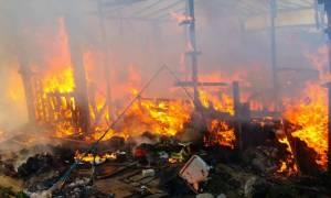Τεράστια πυρκαγιά σε καταυλισμό προσφύγων - Φόβοι για νεκρούς