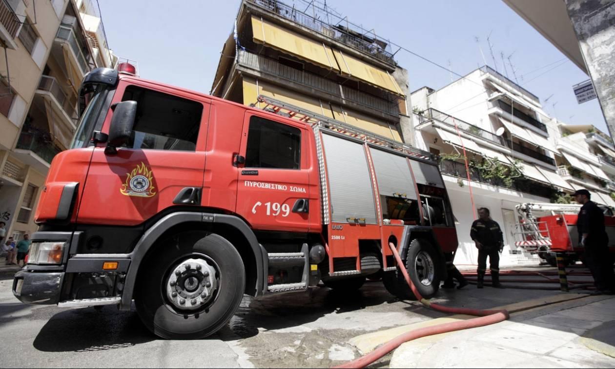 Λάρισα: Μεγάλη πυρκαγιά σε μονοκατοικία