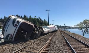ΗΠΑ: Εκτροχιασμός τρένου της Amtrak με πολλούς τραυματίες (pics)
