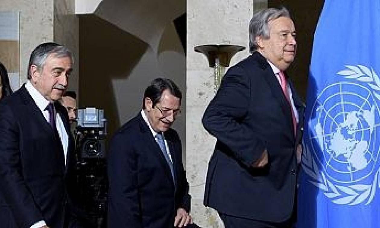 Генеральный секретарь ООН встретился скипрскими лидерами напереговорах вШвейцарии