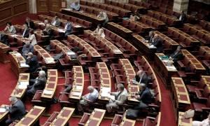 Κατακραυγή από την αντιπολίτευση: Εξεταστική επιτροπή για το «έγκλημα» του παράλληλου νομίσματος