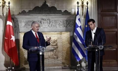 Алексис Ципрас и Бинали Йылдырым провели телефонные переговоры