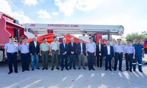 Κάδους πυρόσβεσης για ελικόπτερα δώρισε το Ίδρυμα Λάτση στην Πυροσβεστική