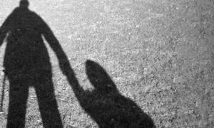 Σοκ: Επιχειρηματίας ασελγούσε σε 14χρονη εν γνώσει της μητέρας της!