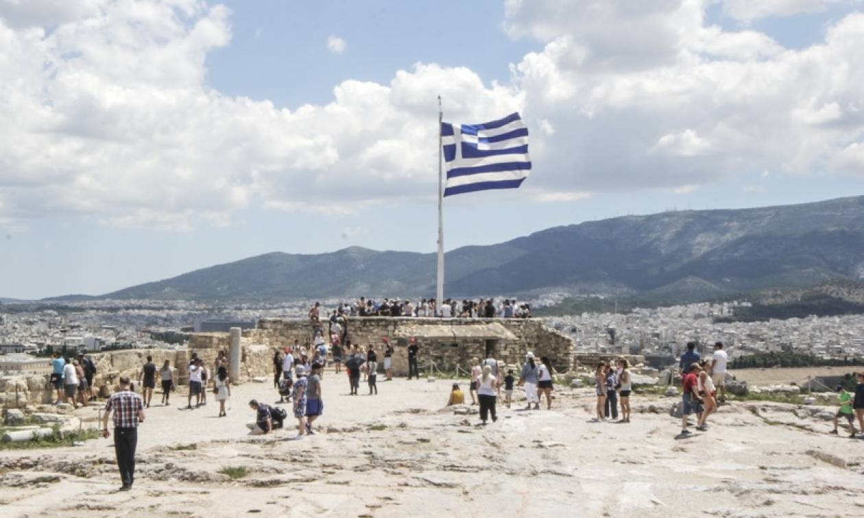 Υπάρχει πρόβλημα… Ο πληθυσμός της Ελλάδας μειώθηκε κατά 2,5% το 2016