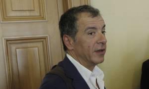 Θεοδωράκης για Θάνου: Η κυβέρνηση αδιαφορεί για τη διάκριση των εξουσιών