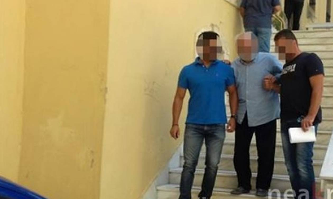 Κρήτη: Εικόνες - σοκ μέσα από το σπίτι, όπου ο πατέρας σκότωσε το γιο - Στον ανακριτή ο 85χρονος