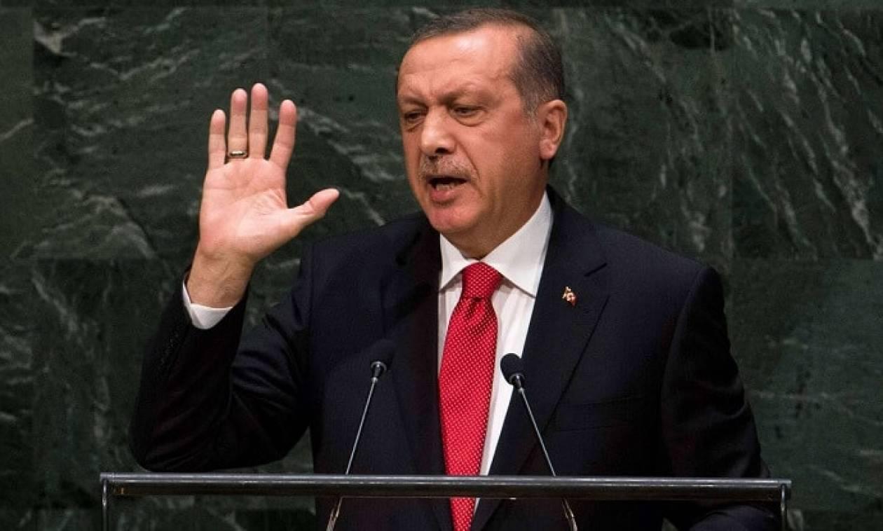 Επιμένει ο Ερντογάν: Δεν τερματίζεται η κατάσταση εκτάκτου ανάγκης στην Τουρκία