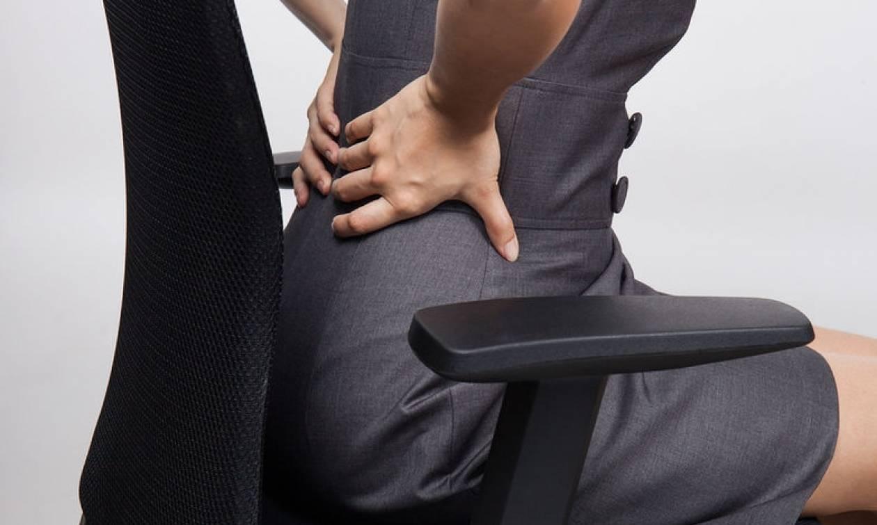 Καθιστική εργασία: Πώς θα «σώσετε» τη μέση σας στο γραφείο