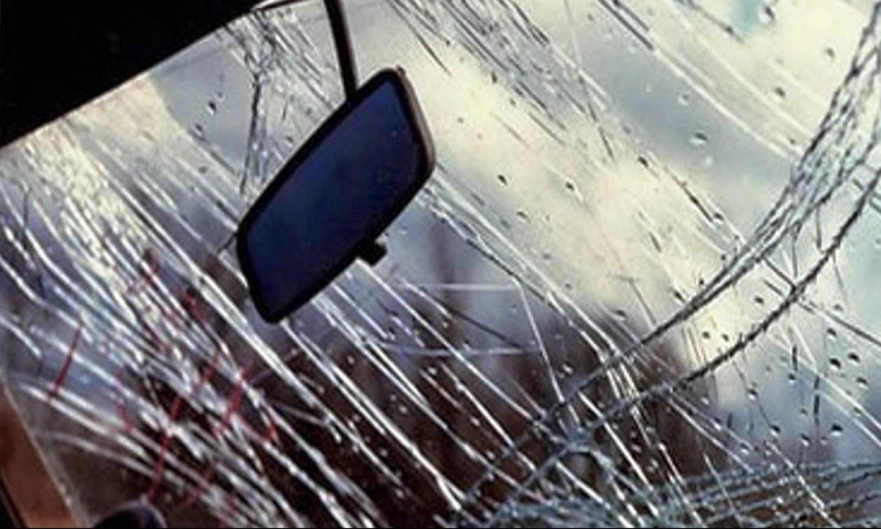 Πάτρα: Πέρασαν με κόκκινο, τράκαραν με ταξί και μετά έδειραν τον πελάτη!