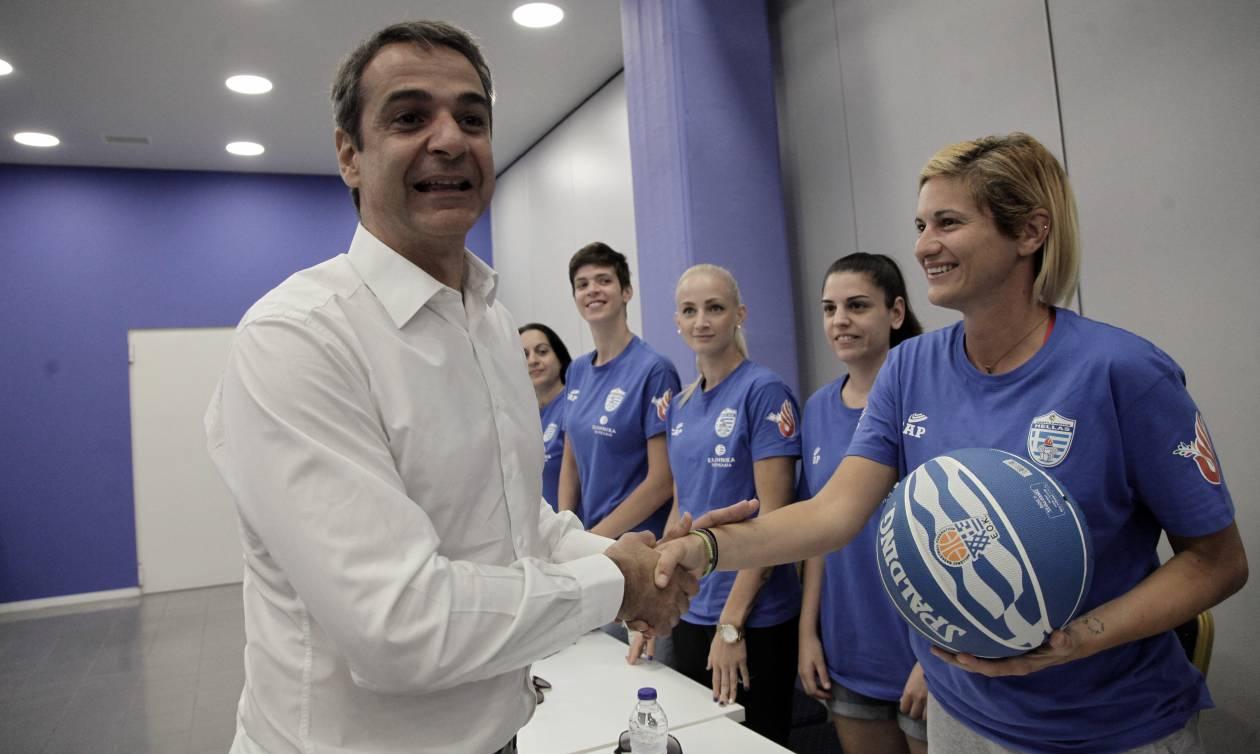 Θερμό καλωσόρισμα Μητσοτάκη στα μέλη της ολυμπιακής ομάδας κωφών