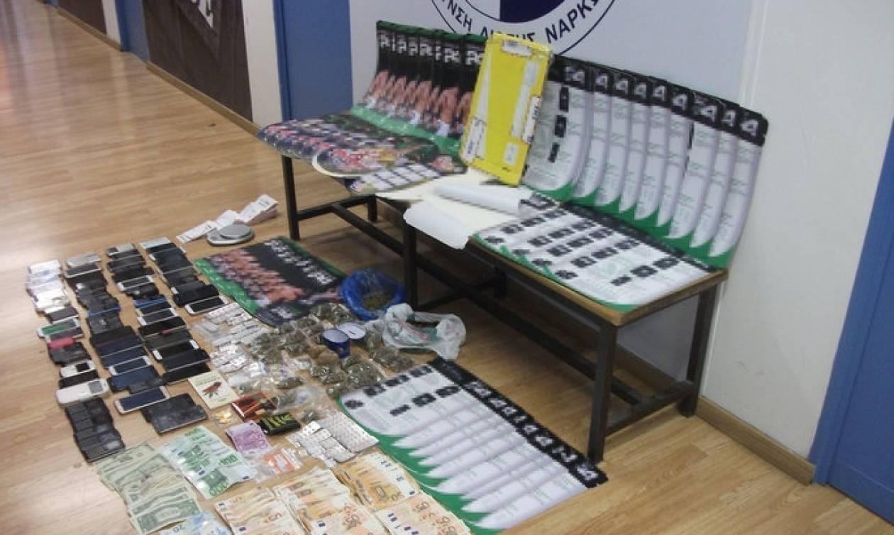 Το καρτέλ από τη Βολιβία έφερνε στην Ελλάδα πακέτα με κοκαΐνη εμποτισμένη σε χαρτόνια