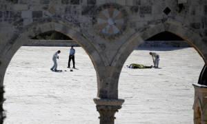 Ιερουσαλήμ: Νεκροί δύο αστυνομικοί από την επίθεση ενόπλων (pics & vid)