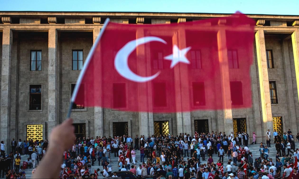 Η Άγκυρα απορρίπτει τον ισχυρισμό ότι «σκηνοθέτησε» το αποτυχημένο πραξικόπημα