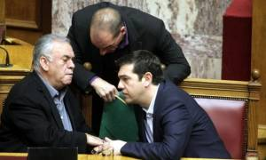 Βαρουφάκης: Παρουσίασα στον Τσίπρα το παράλληλο σύστημα πληρωμών και μου πρότεινε να γίνω υπουργός