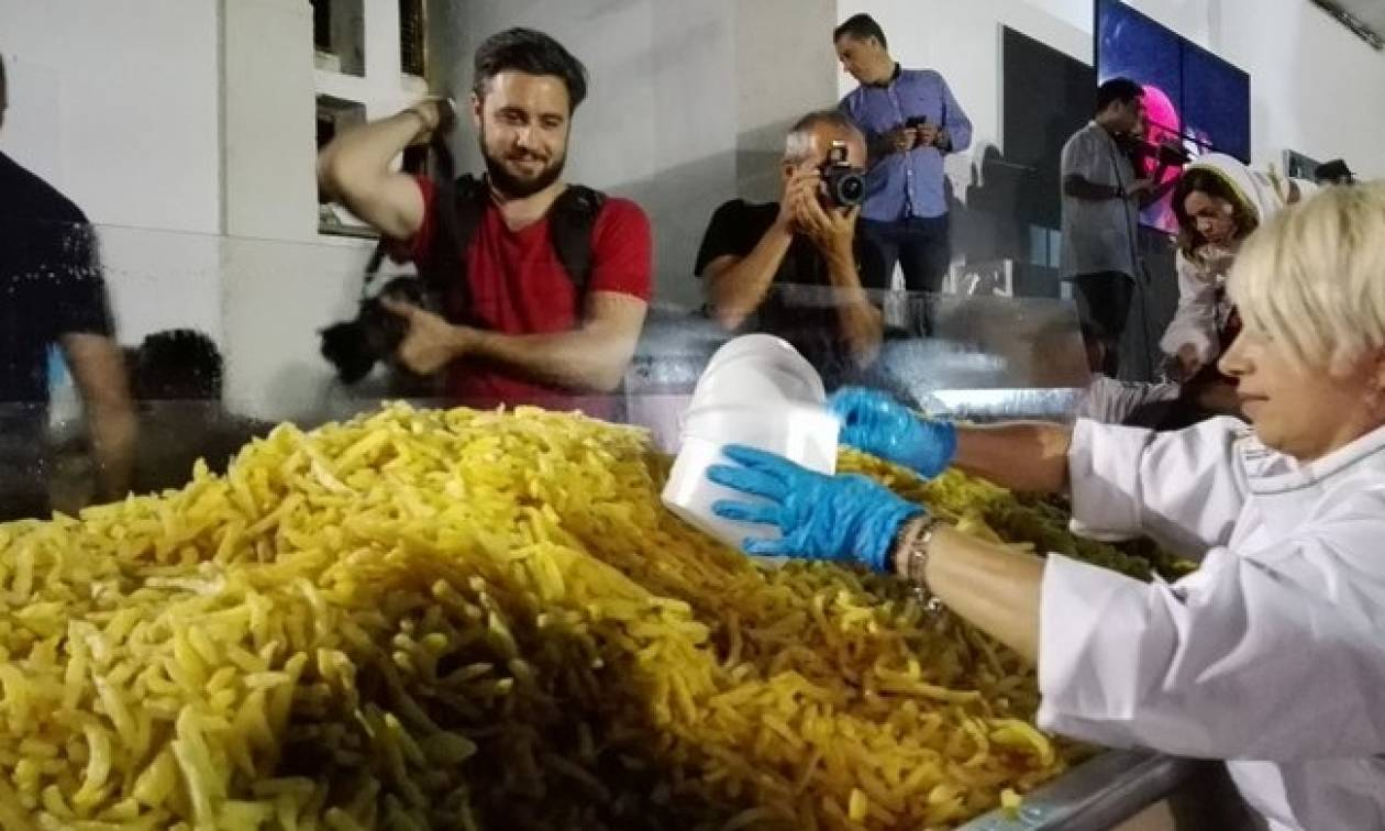 Η Νάξος στο Γκίνες με 554 κιλά τηγανητές πατάτες!