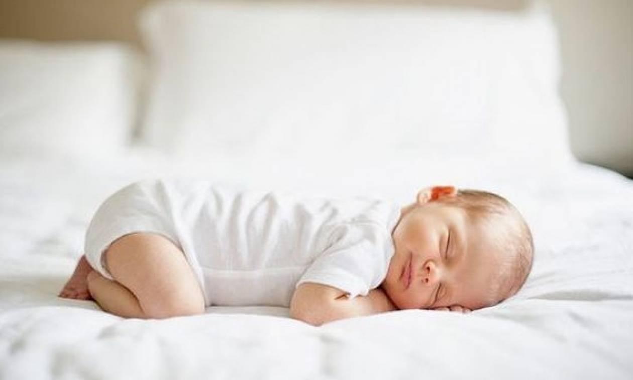 Μωρό και ύπνος REM: Όλα όσα πρέπει να γνωρίζετε