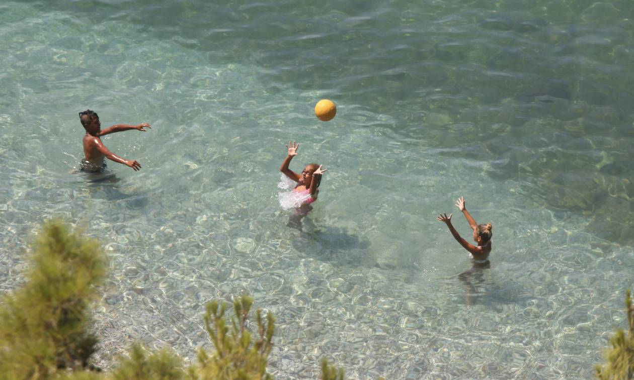 Καιρός: Η «Μέδουσα» είναι παρελθόν - Επιστροφή στις παραλίες από σήμερα