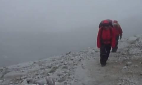Το βίντεο από την χιονόπτωση στον Ολυμπο (17 Ιουλίου) και το μήνυμα του Σάκη Αρναούτογλου!