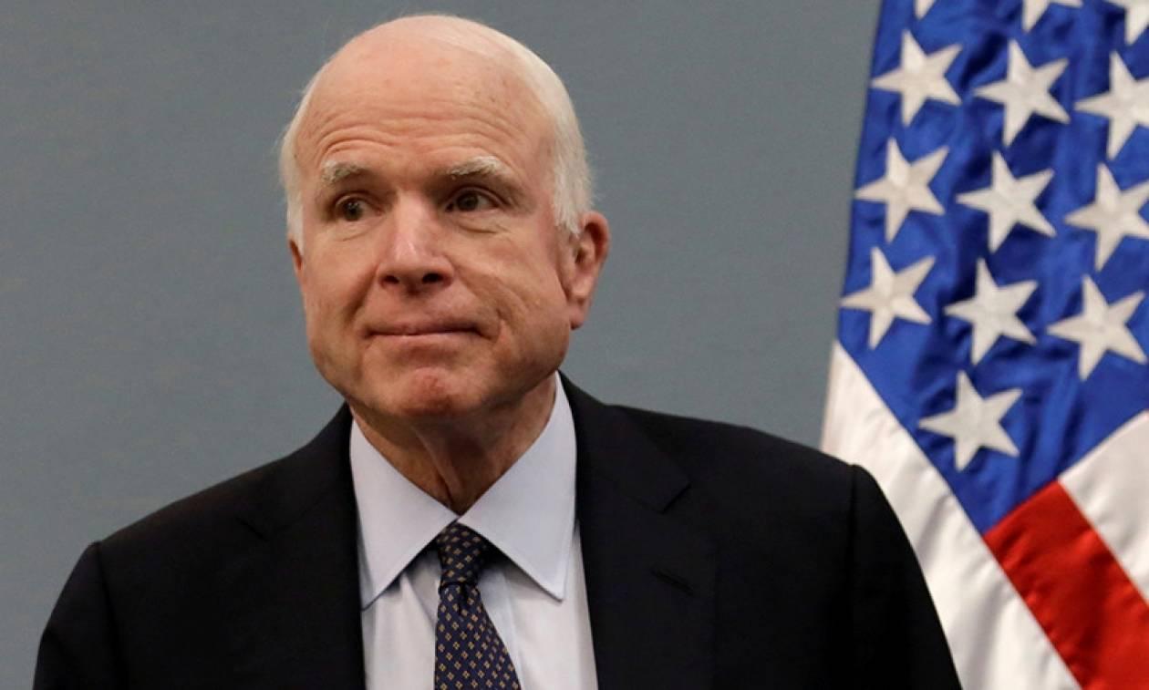 Σοκ στον πολιτικό κόσμο: Ο Τζον Μακέιν διαγνώστηκε με καρκίνο στον εγκέφαλο