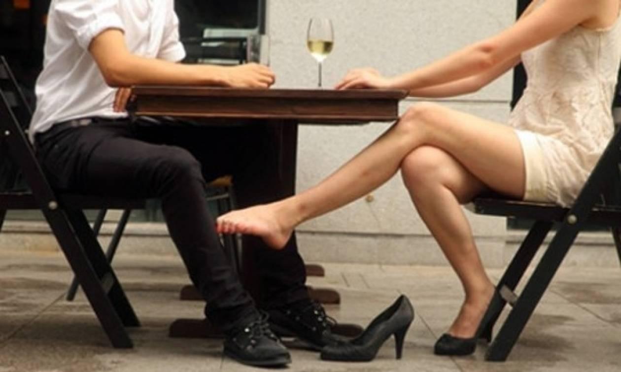 Πασίγνωστος (και παντρεμένος) Έλληνας πολιτικός σε «ροζ» ταξιδάκια με 24χρονη φοιτήτρια...