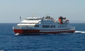 Αναστάτωση στη Σερίφο: Το «Διονύσιος Σολωμός» προσέκρουσε στο λιμάνι