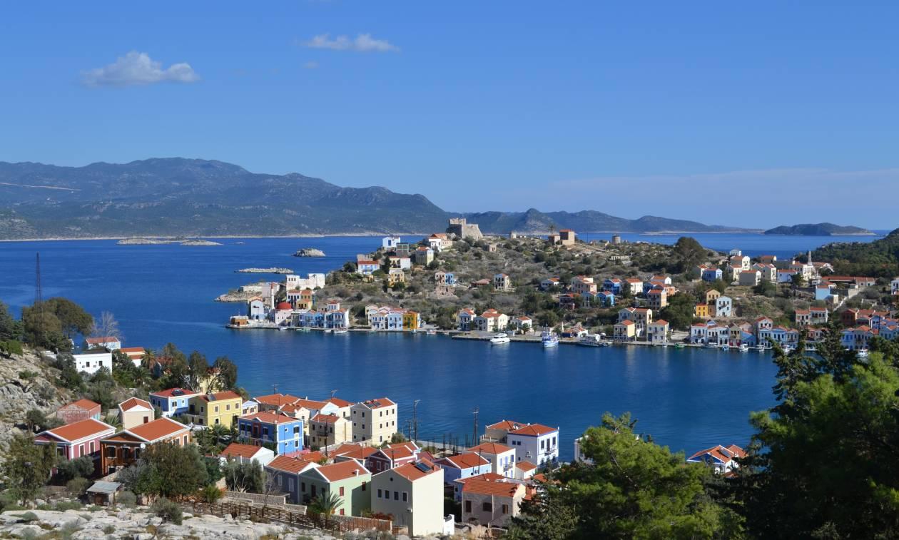Με το βλέμμα στο Καστελόριζο την ώρα που η Τουρκία συνεχίζει την επικίνδυνη τακτική της