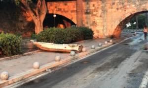 Κως: Ο σεισμός προκάλεσε μίνι τσουνάμι ύψους 70 εκατοστών - Οι βάρκες βγήκαν στη στεριά (pics)