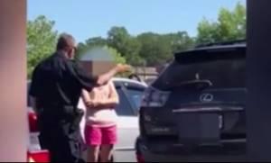 «Μητέρα» άφησε τα παιδιά της με καύσωνα στο αυτοκίνητο. Δείτε την αντίδραση του αστυνομικού (vid)