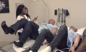 Βίντεο: Δύο άνδρες τόλμησαν να δοκιμάσουν τους πόνους της γέννας… και το πλήρωσαν ακριβά (vid)