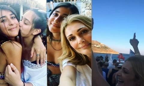 Νατάσα Θεοδωρίδου: Διακοπές με τις κόρες της στη Μύκονο