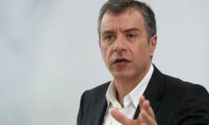 Θεοδωράκης: Ο Βαρουφάκης έχει τεράστιες ευθύνες αλλά ψεύτης δεν είναι
