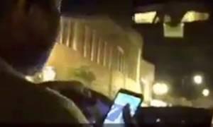 Σοκ: Ιερόδουλη κάνει στοματικό σε ταξιτζή την ώρα που οδηγεί - Δείτε το βίντεο που κατέγραψε πελάτης