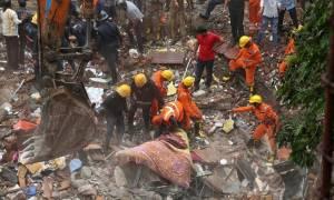 Ανείπωτη τραγωδία στην Ινδία: Κατέρρευσε πολυκατοικία – 17 νεκροί (pics+vids)