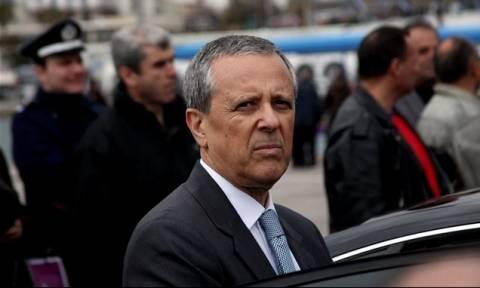 Ο Τάκης Μπαλτάκος, εκτός των άλλων, αναλαμβάνει και «λογοκριτής»
