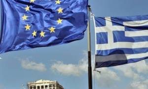 Bloomberg View: Θετική η έξοδος της Ελλάδας στις αγορές, όμως τα προβλήματα παραμένουν