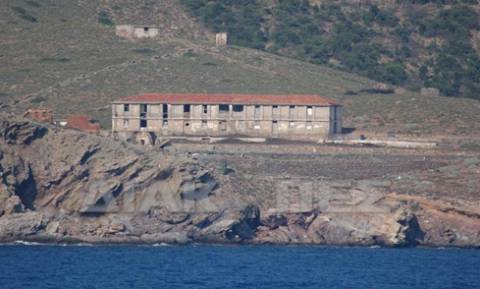 «Όργιο» παρανομίας στη Μακρόνησο: Εντοπίστηκαν δεκάδες αυθαίρετα