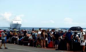 Όπου φύγει - φύγει οι Αθηναίοι: Κατά χιλιάδες εγκαταλείπουν την πρωτεύουσα από τα λιμάνια