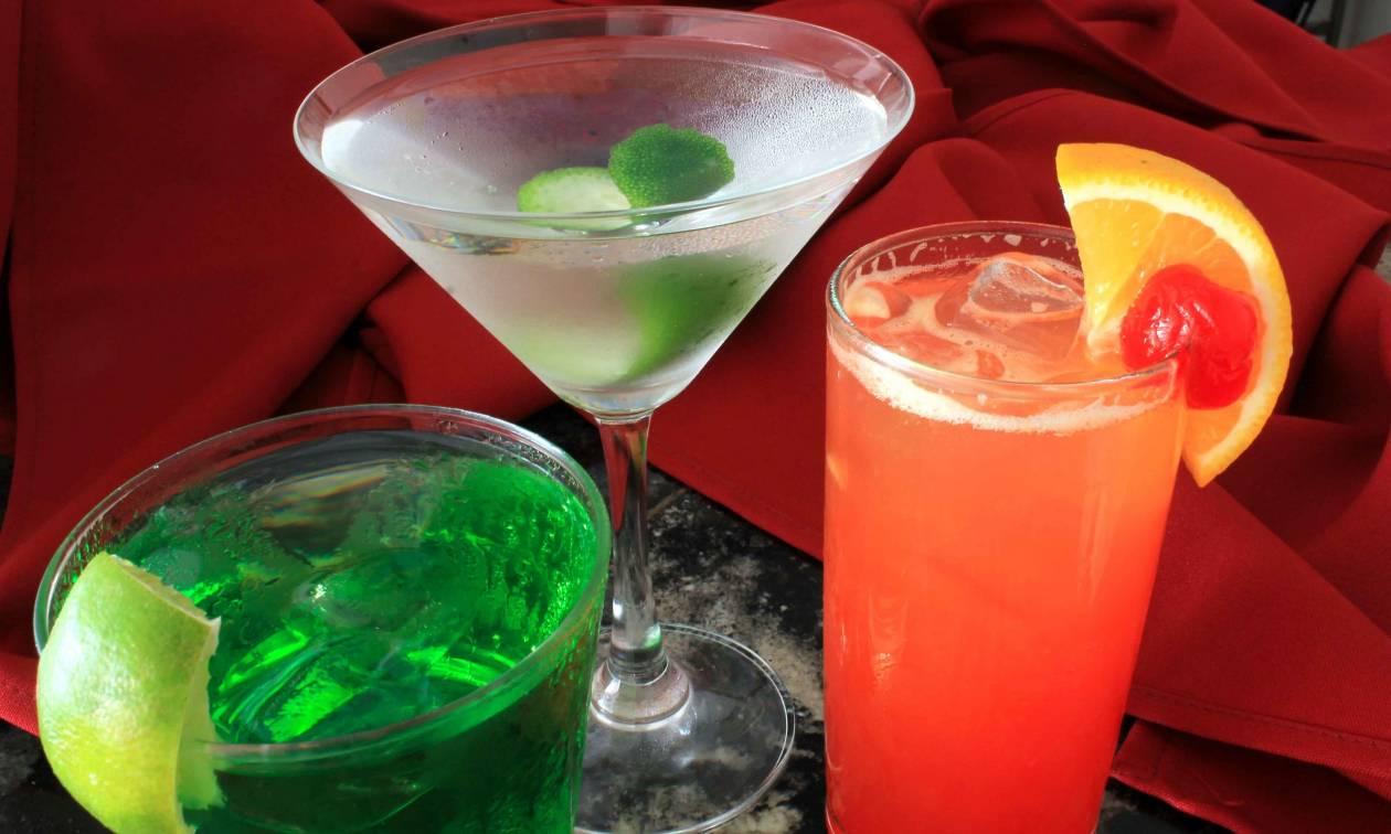 Ρόδος: Χαροπαλεύει 21χρονη που ήπιε ποτό με γυαλί