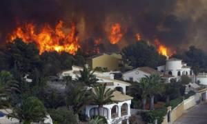 Πύρινος εφιάλτης και στην Ισπανία - 300 άνθρωποι εγκατέλειψαν τα σπίτια τους