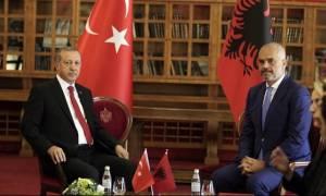 «Ύποπτα» παιχνίδια: Τούρκοι και Αλβανοί προκαλούν την Ελλάδα