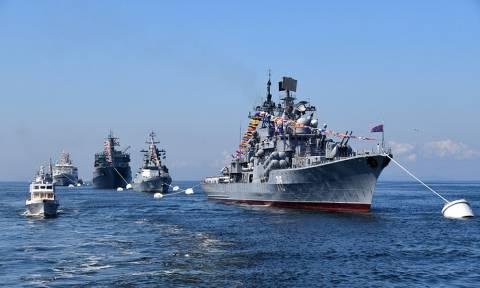 Путин в Петербурге примет возрожденный Главный военно-морской парад по случаю Дня ВМФ