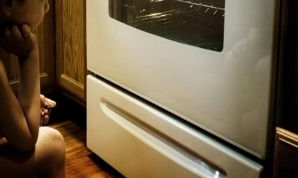 Απίστευτο! Δείτε σε τι χρησιμεύει το συρτάρι κάτω από το φούρνο – Θα εκπλαγείτε από την απάντηση!