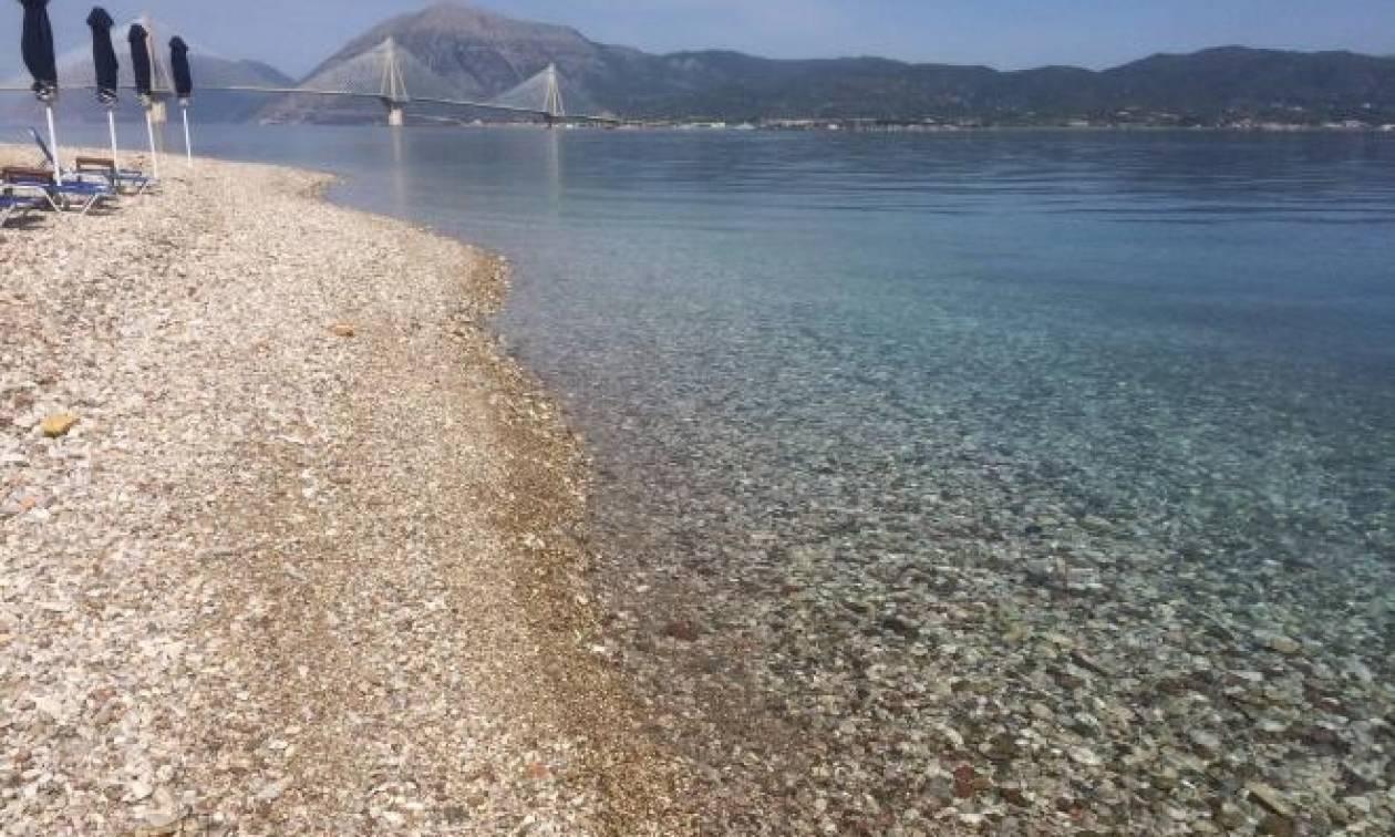Δείτε πού ξέβρασε σφαίρες η θάλασσα!
