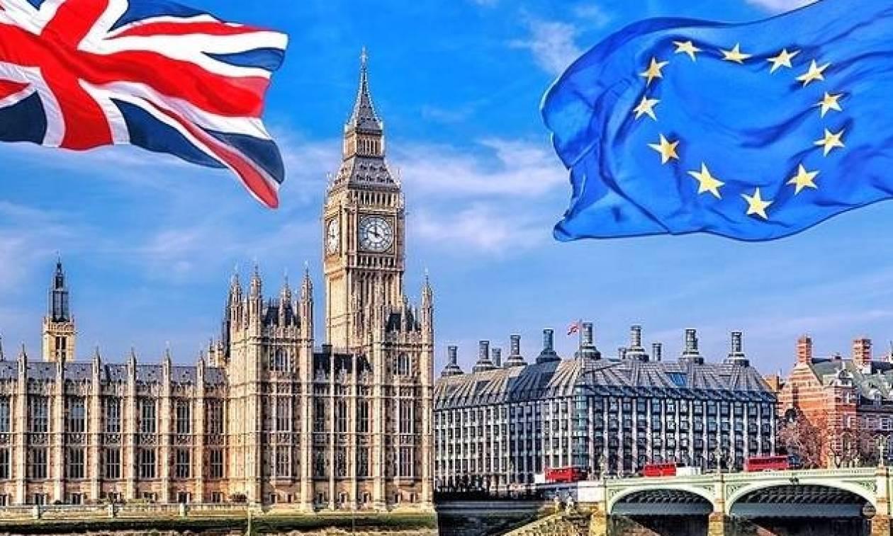 Βρετανία: «Τέλος» οι ελεύθερες μετακινήσεις ευρωπαίων πολιτών τον Μάρτιο του 2019