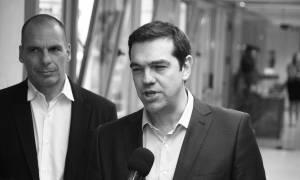 Λάβρος ο Βαρουφάκης εναντίον Τσίπρα: Είναι ένας ανεπρόκοπος που υπογράφει ό,τι του φέρνουν