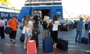 Eurostat: Οι μισοί Έλληνες δεν μπορούν να κάνουν ούτε μια βδομάδα διακοπές