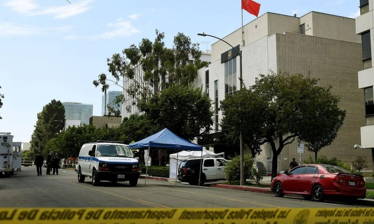 Λος Άντζελες: Ένοπλος επιτέθηκε εναντίον του προξενείου της Κίνας και στη συνέχεια αυτοκτόνησε